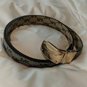 NEW LISTING Michael Kors grey/tan reversible belt